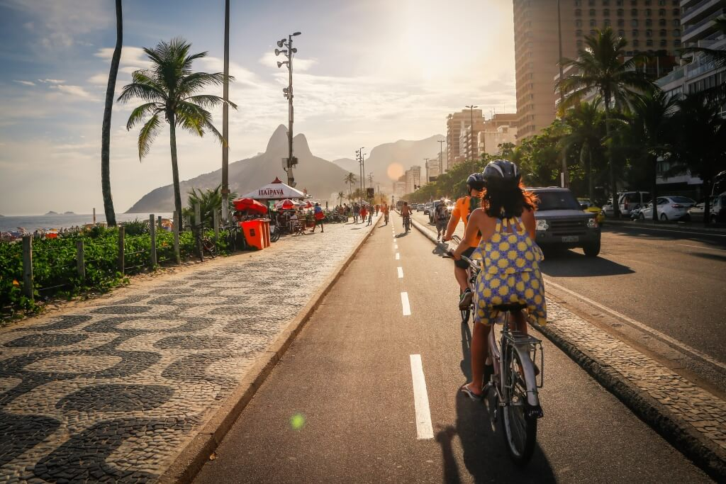 Cycle tour along Ipanema beach